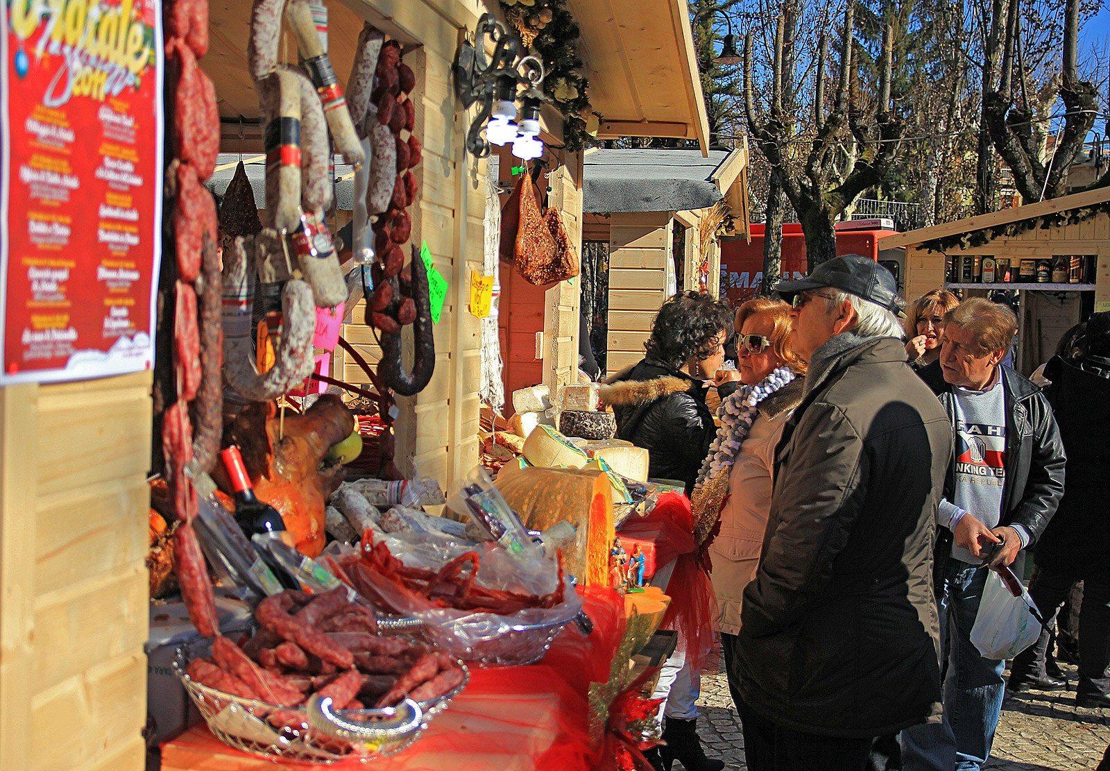 Ai mercatini di natale di tagliacozzo questa sera sbarcano for Mercatino dell usato pescara