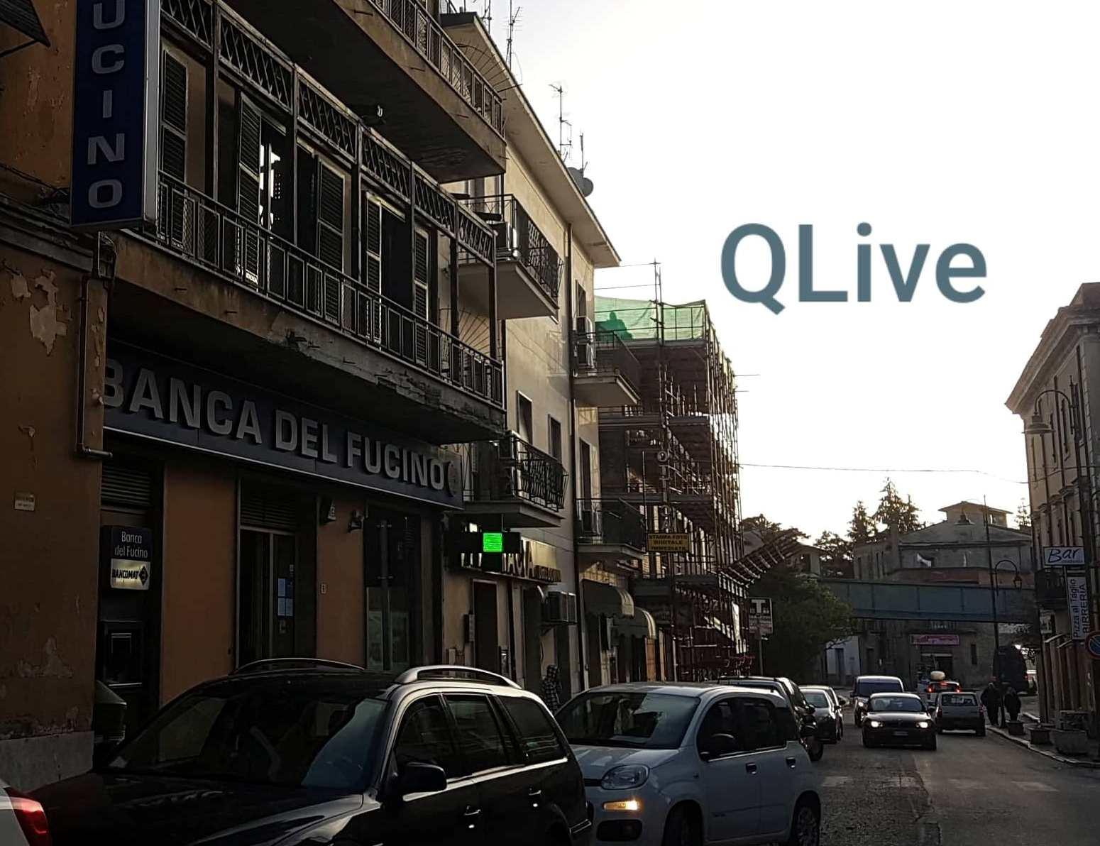 Rapina in pieno centro a Carsoli, presa d'assalto la Banca ...