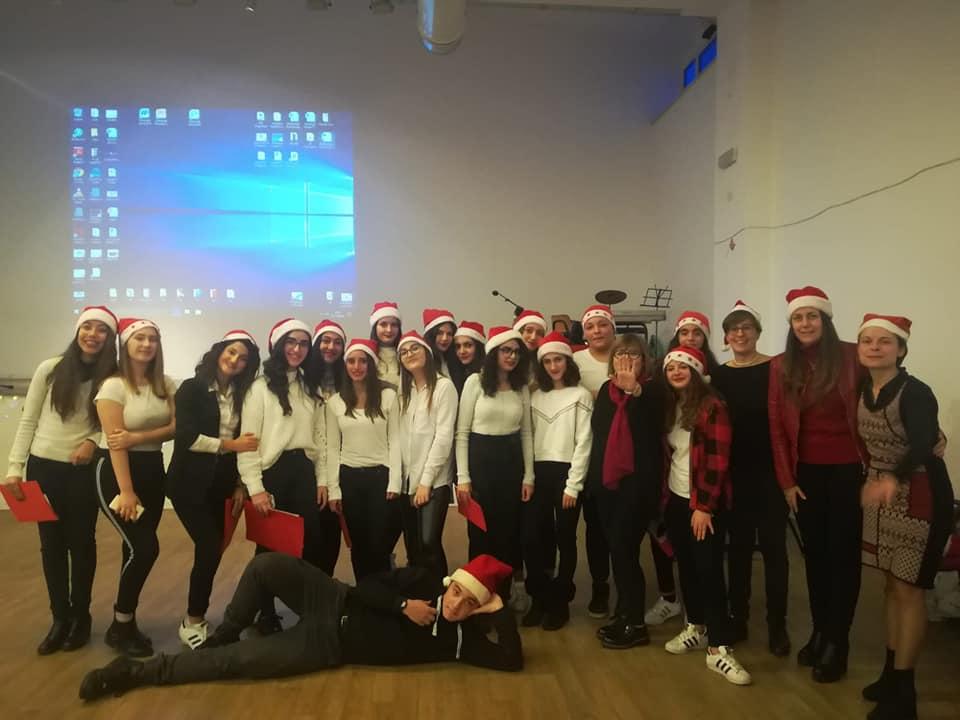 Buon Natale In Inglese.Un Buon Natale In Quattro Lingue Al Liceo Croce Di Avezzano Con