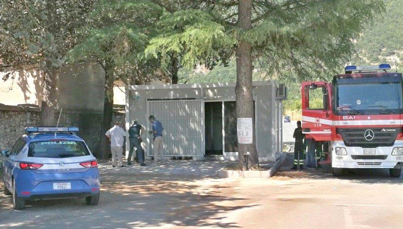 Incendiato nuovo chiosco dei fiori al cimitero, attività dei Morelli prossima all'apertura